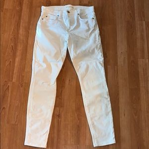 3/$15 Gap | White Skinny Jeans